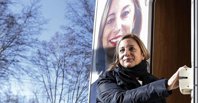 La candidata M5S alla presidenza del Lazio, Roberta Lombardi (Ansa)